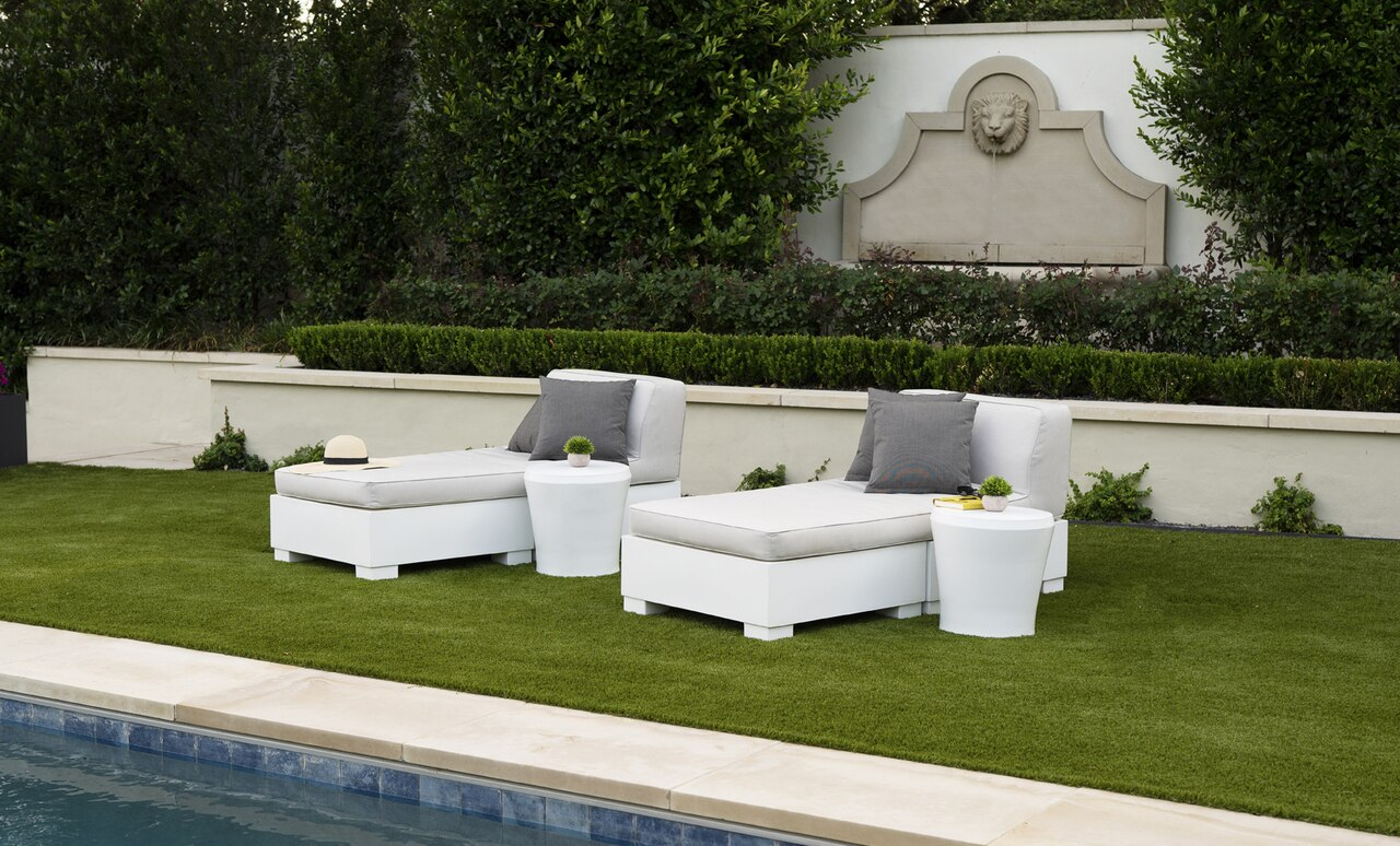 The Affinity side tables are perfectly sized for lounging by the pool.