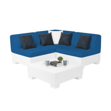 Affinity 4 Piece Diamond set is a great option for a smaller outdoor space.
