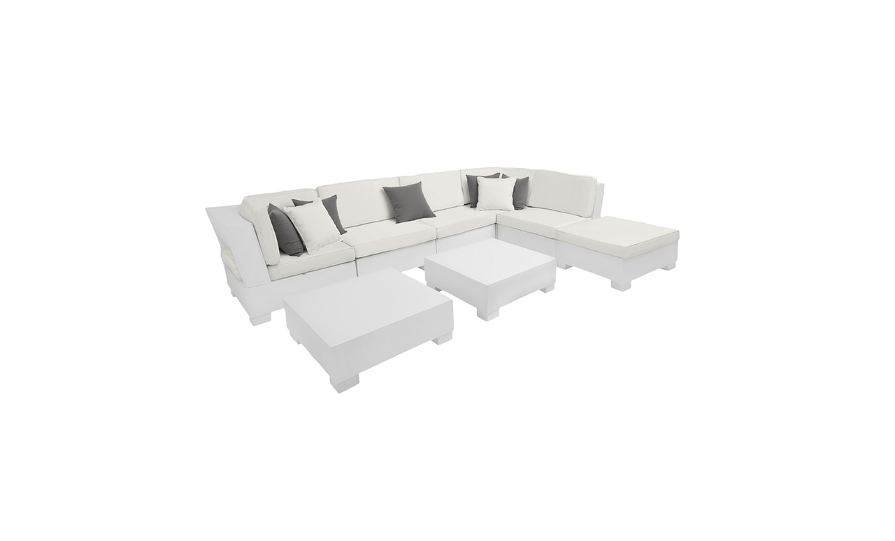 Ledge Lounger Signature 8 Piece sectional is great for any outdoor area.