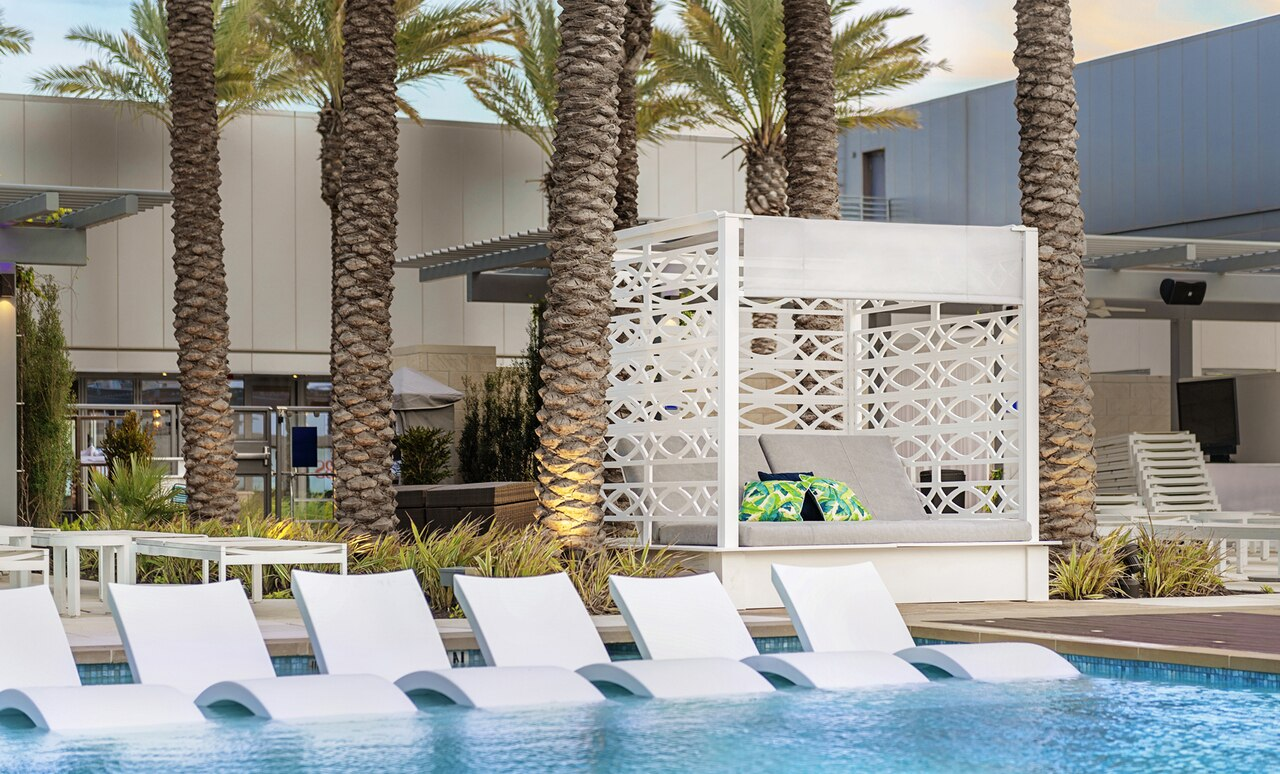 The Shift Daybed adds style and sophistication to any poolscape.