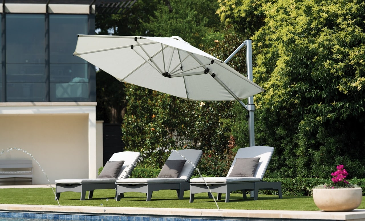 The Ultra Umbrella can be easily implemented into any poolscape.